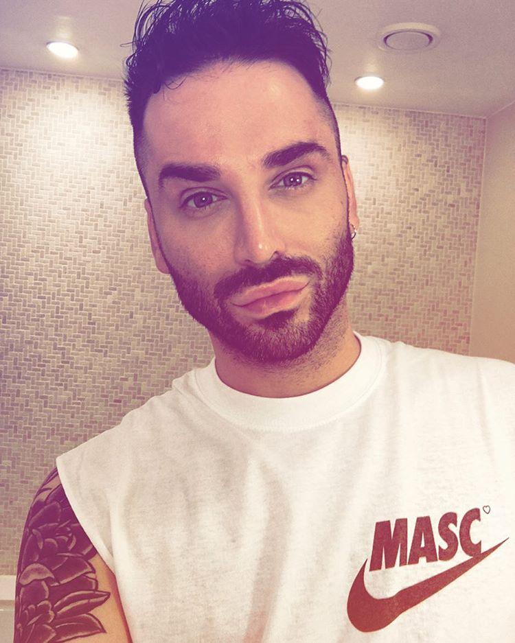 Aaron Carlo Instagram username