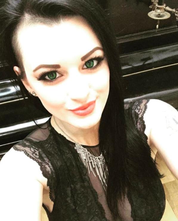 Alissa Noir Instagram username