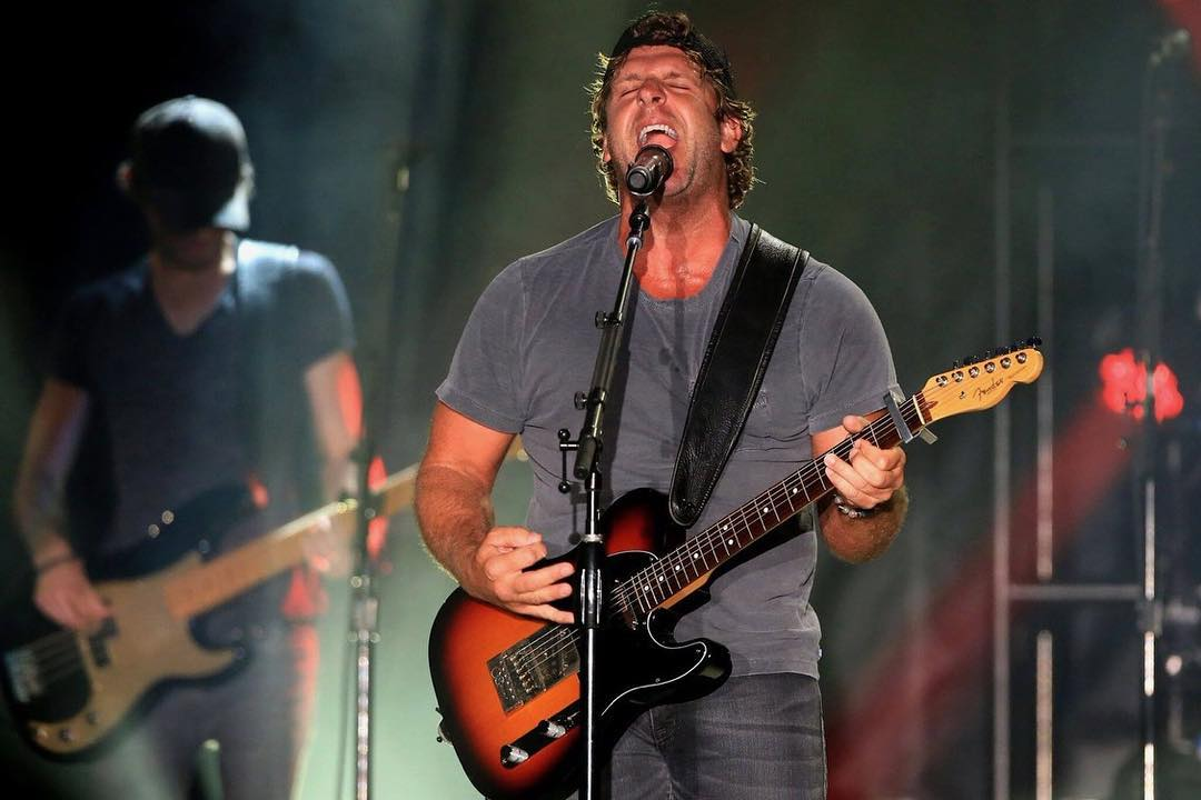 Billy Currington Instagram username