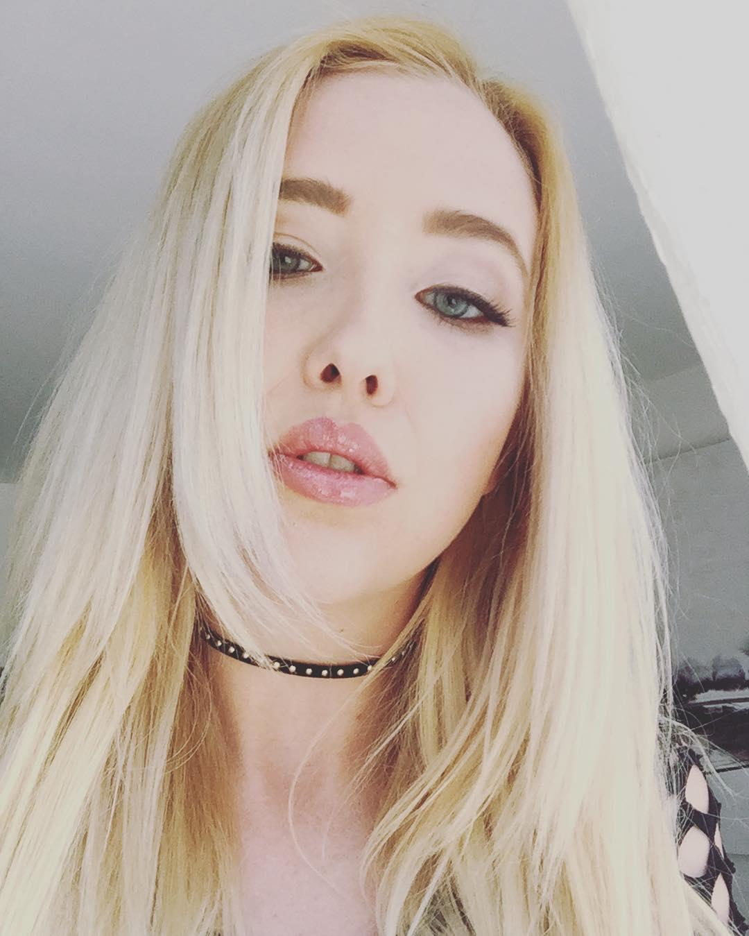 Samantha Rone Instagram username