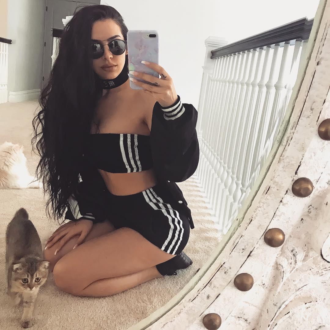 Carli Bybel instagram