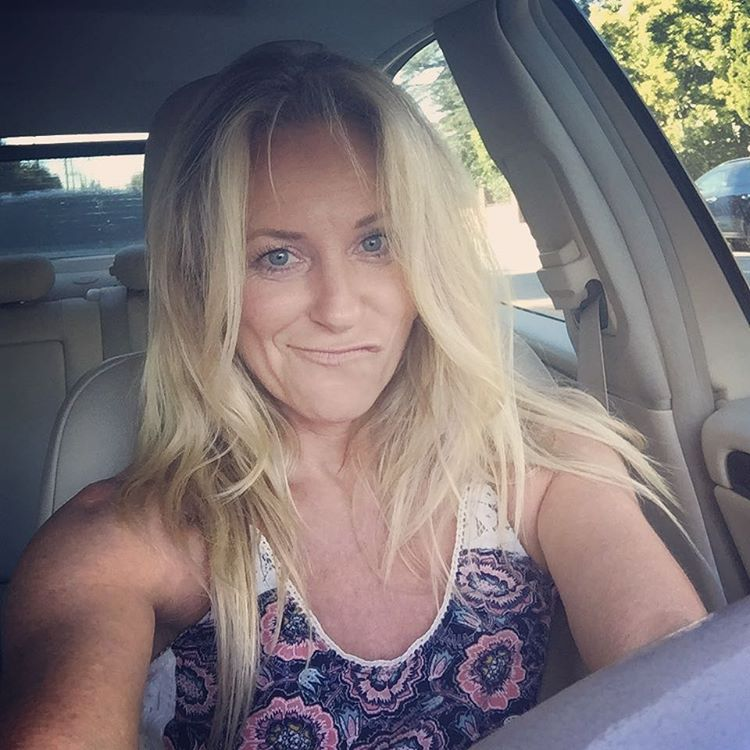 Deana Carter Instagram username