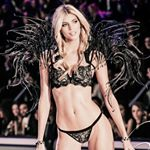 Devon Windsor Instagram username