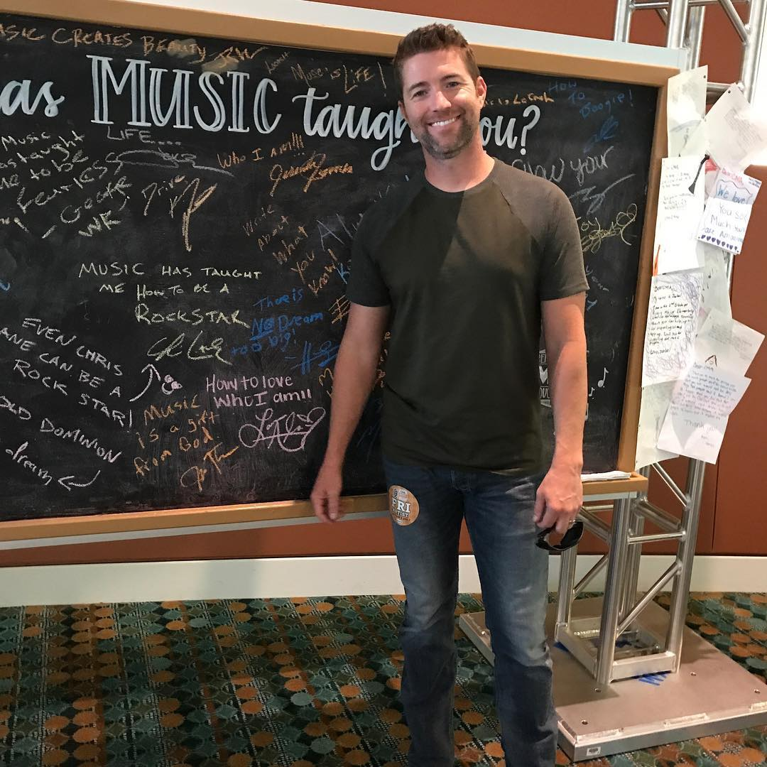 Josh Turner Instagram username