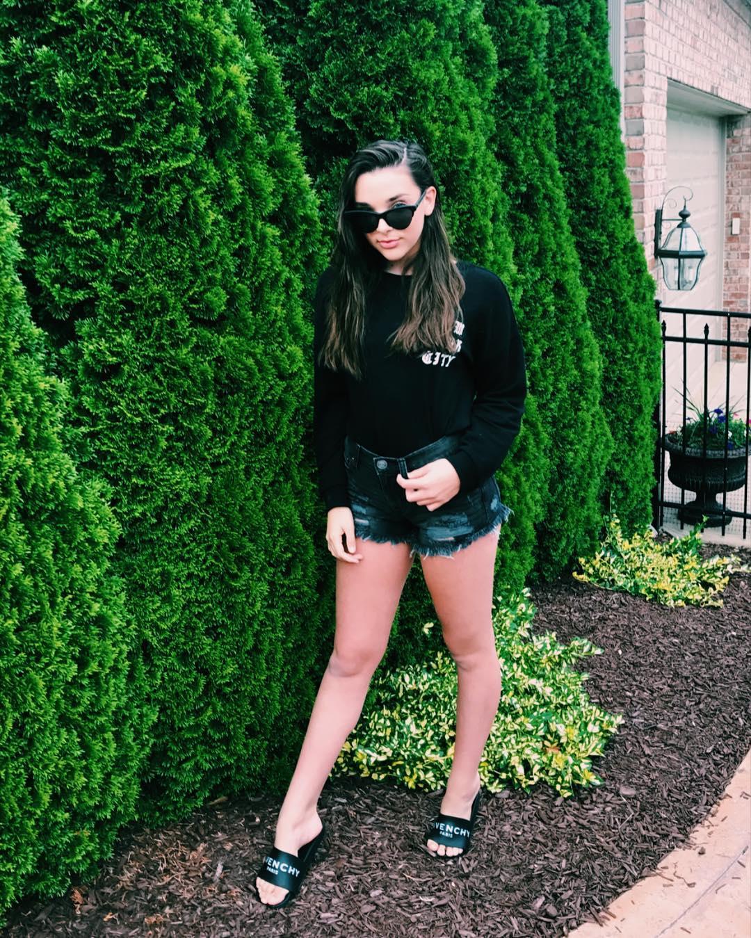 Kendall Vertes Instagram username