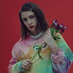 Lena Dunham Instagram username