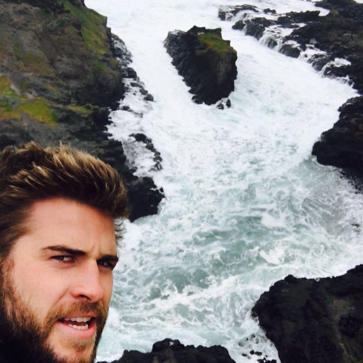 Liam Hemsworth Instagram username