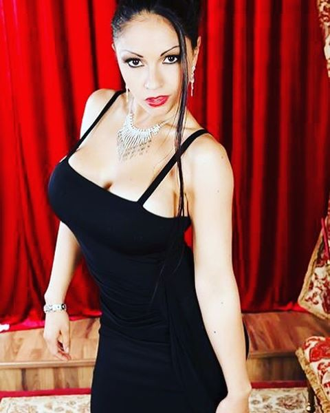 Alexandra Sivroskya Instagram username
