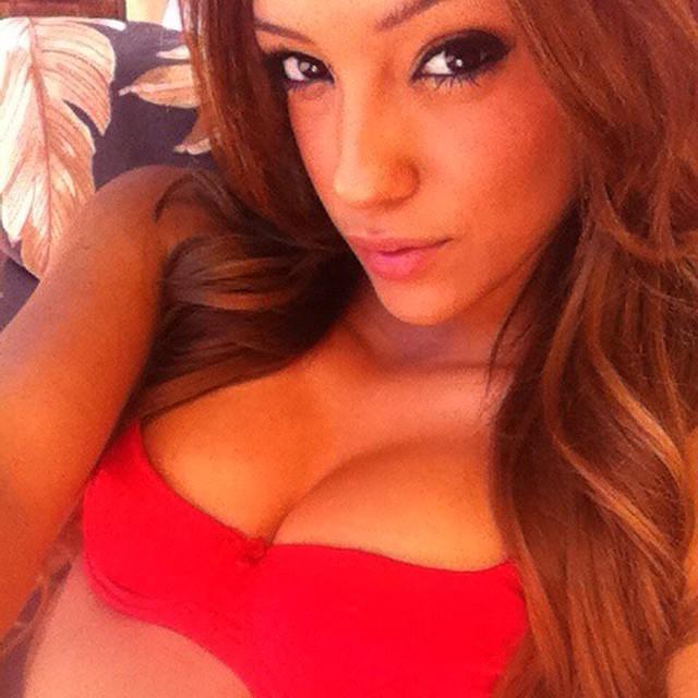 Melanie Rios Instagram username