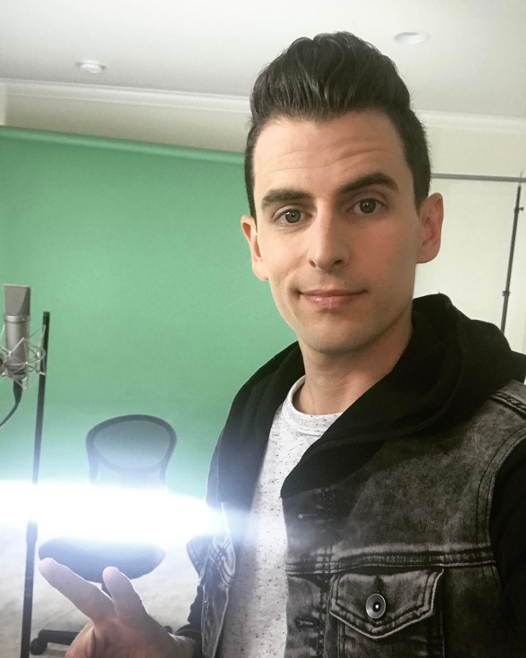 Mike Tompkins Instagram username