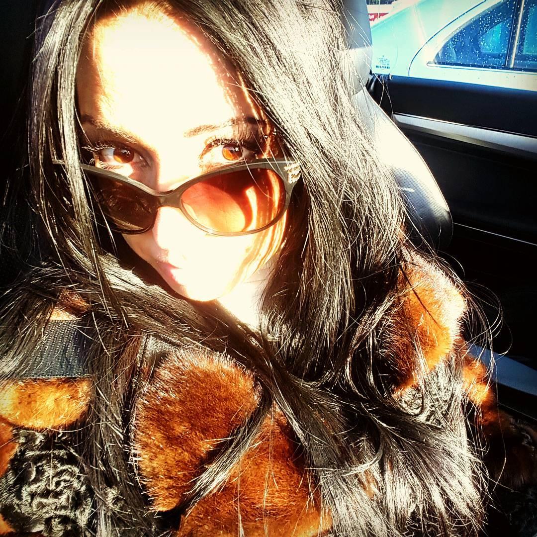 Monica Santhiago Instagram username