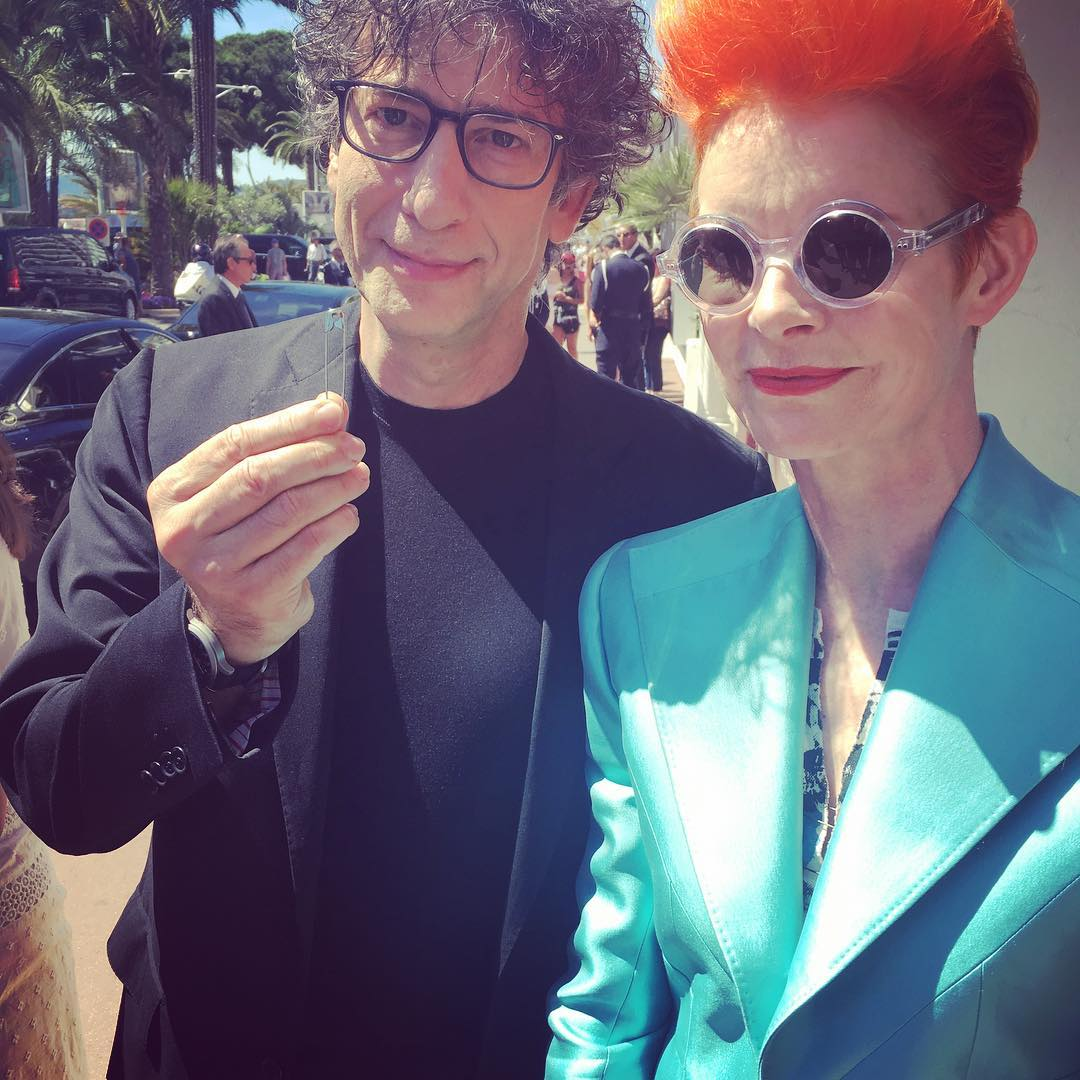 Neil Gaiman Instagram username