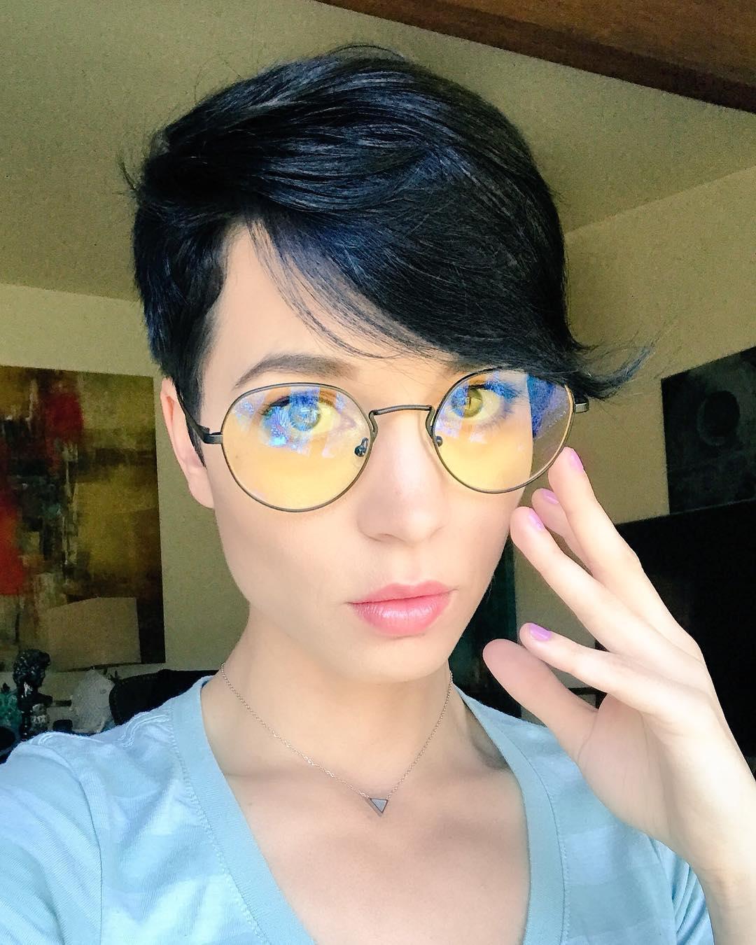Pamela Horton Instagram username