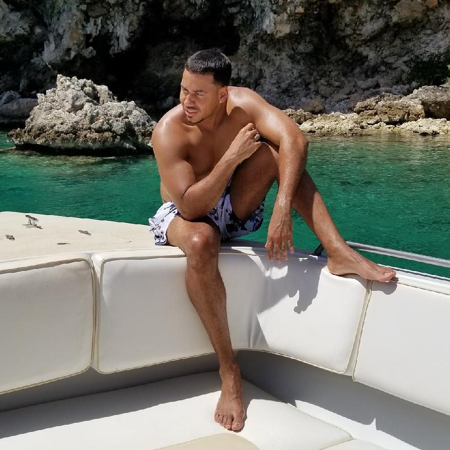 Romeo Santos Instagram username
