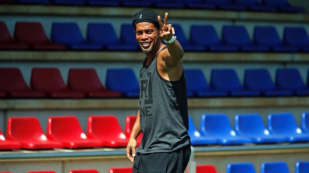 Ronaldinho Gaúcho Instagram username