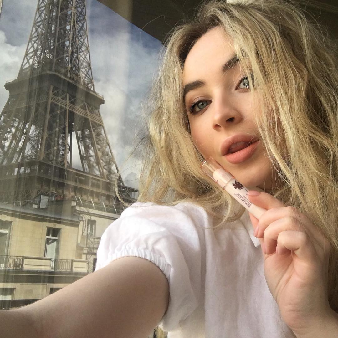 Sabrina Carpenter Instagram username