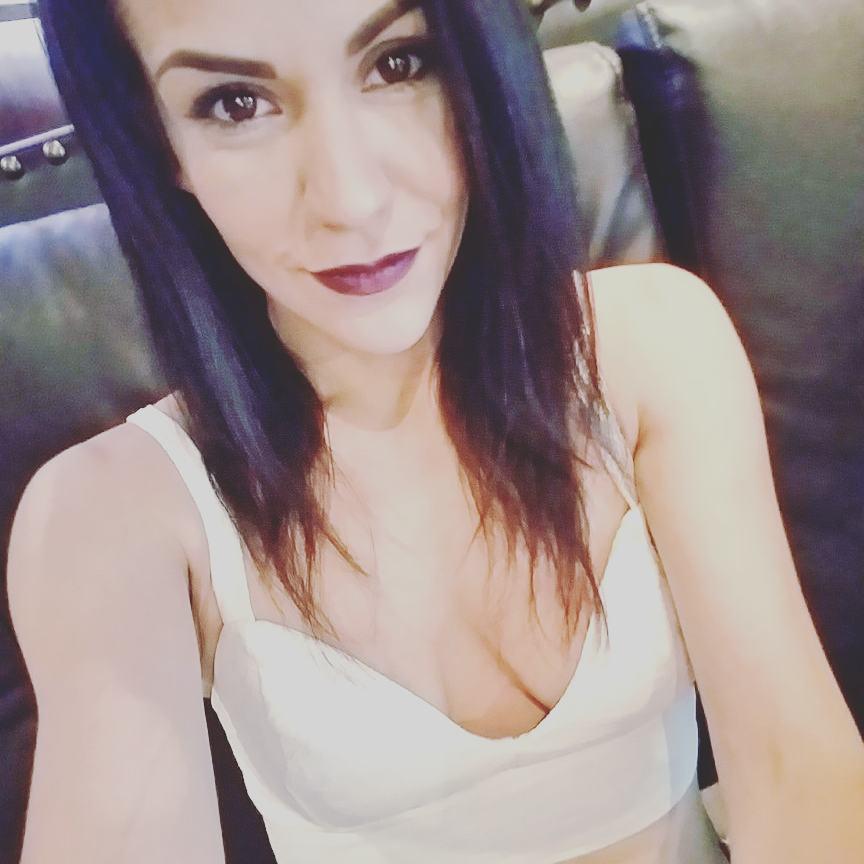 Samia Duarte Instagram username