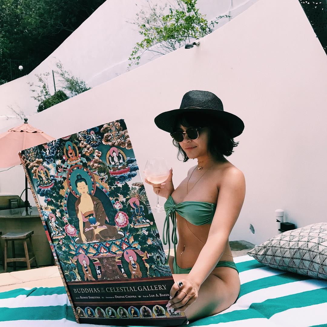 Stella Hudgens Instagram username