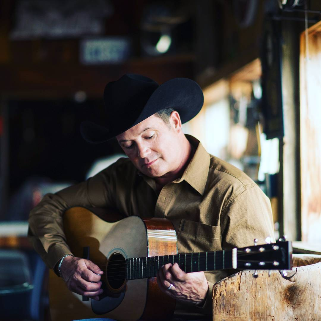 Tracy Byrd Instagram username