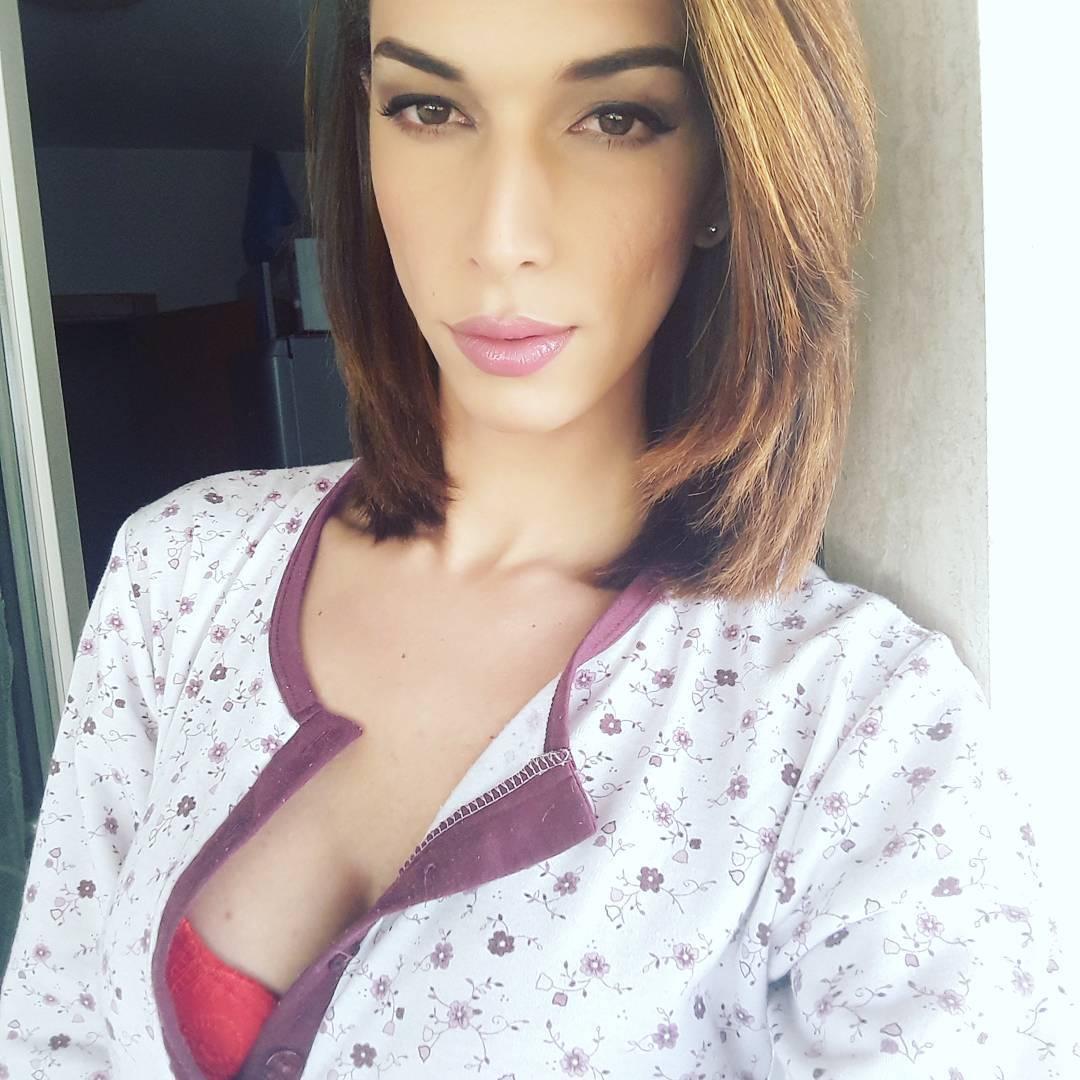 Viviane Merillo Instagram username